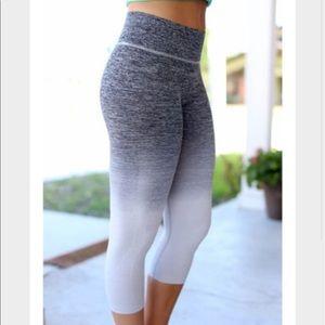 Pants - Gray to white ombré workout leggings!