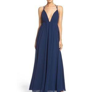 Lulu's Dresses & Skirts - NWOT Lulu's navy plunge maxi dress