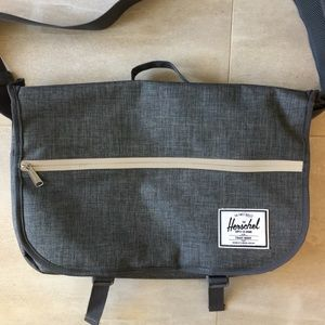 Herschel Supply Company Other - Herschel supply co | men's gray messenger bag EUC