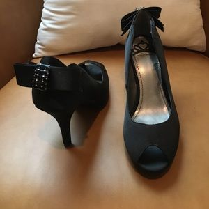 Fergalicious Shoes - Brand new *Black high heels with bow