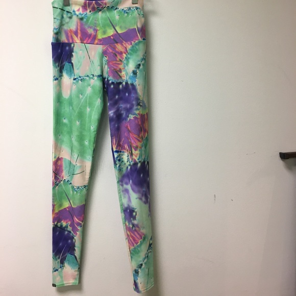 Onzie Multi Colored Print Leggings Xs