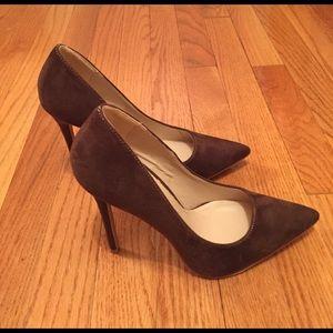 💰NWOT Beautiful brown heels