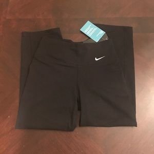 Nike Pants - Nike leggings slim fit