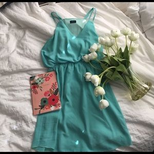 Dresses & Skirts - Turquoise spring dress with cinched waist