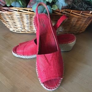 Clarks Shoes - NEW Clarks Red Petrina Rhea Espadrille Sandals
