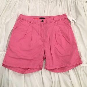H&M Pants - H&M  NWT! Bubblegum Pink Midi-Shorts (Size 6)