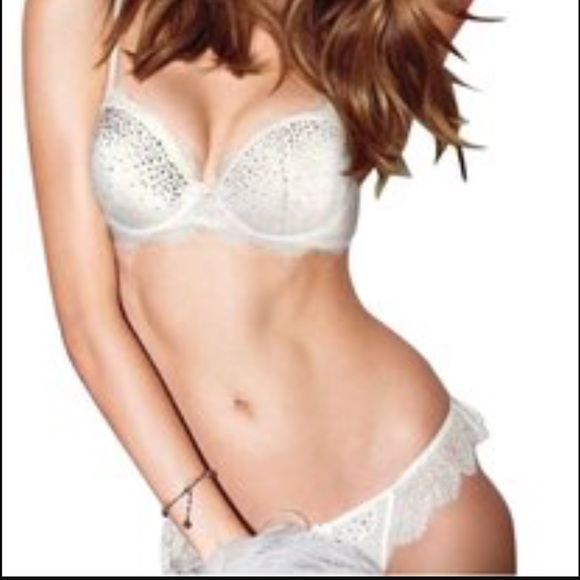 8c817a6404edc Victoria Secret Dream Angel bling lingerie set. M 58e98945620ff7b2cb00f49d