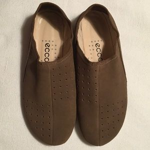 Ecco Shoes - Ecco Brown Suede Perforated Slipons. Sz 11