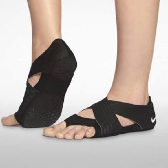Nike studio wraps with covering shoes. M 58e98ef36a5830407d0104c9 c14b3a5f0