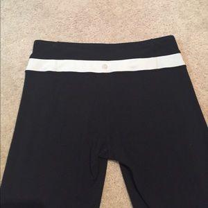 lululemon athletica Pants - Lululemom size 8 yoga pants