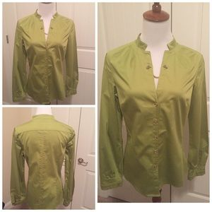 Etcetera Tops - Etcetera green w/gold chain silk blouse