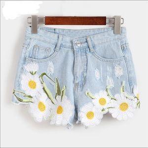 Denim - 🌼Just In🌼Daisy in High Waist Vintage Jean Shorts