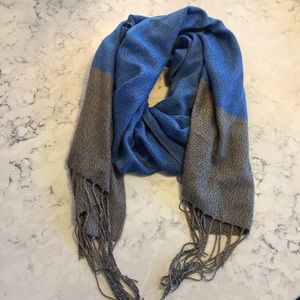 Gap Blue and Gray Scarf
