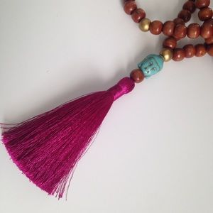 Jewelry - Long wood bead necklace
