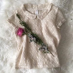 Tops - Peter Pan Crochet Collar Blouse