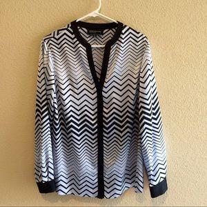 Jones New York Tops - 🎉HP🎉 Jones New York chevron blouse