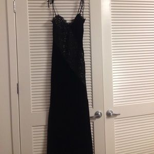 Dresses & Skirts - NWOT Candela Velvet and lace gown