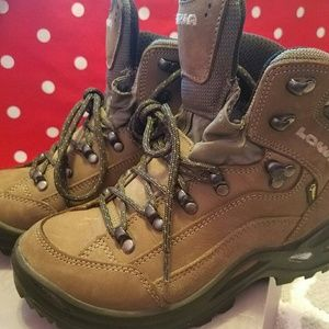 Lowa Shoes - LOWA - Renegade GTX Mid Hiking Boots Size 6 Womens