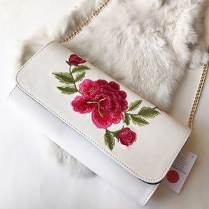 Handbags - Rose Embroided White Crossbody/Clutch✨🆕