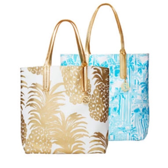 d39097a349 NWT Lilly Pulitzer Reversible Pineapple Tote