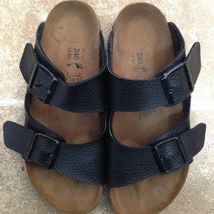 Shoes - Birkenstock Arizona ~ black