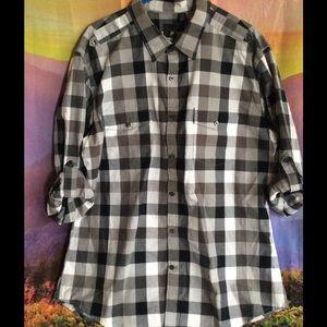 jf j.ferrar Other - Nice black and white big squares plaid shirt 😎