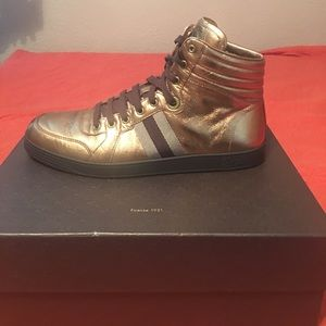 Gucci Other - Gucci Sneakers Limited Edition Bronze