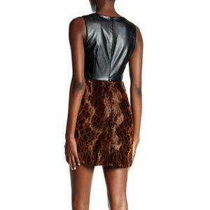 Topshop Dresses & Skirts - NEW Topshop Leopard Faux Fur Shift dress 😍💃🏻
