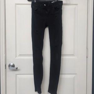 Zara distressed black skinny jeans sz26