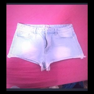 Urban Outfitters Pants - 💕Awesome jean shorts medium large