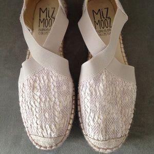 Miz Mooz Shoes - Great cream woven espadrilles 41 (fit like 10)
