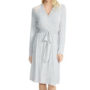 Jessica Simpson Maternity nursing robe