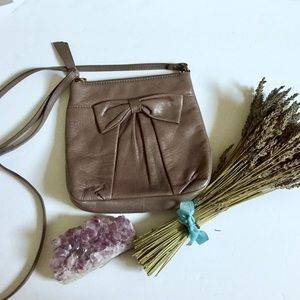 Isabella Fiore Handbags - 🎉sale🎉Fiore By Isabella Fiore Bow Grey Crossbody