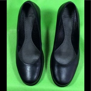Dansko Black Pumps