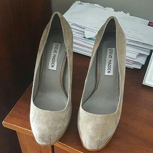 Thick heel platform heels
