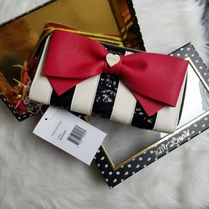 Betsey Johnson Handbags - Betsey Johnson Double Zip Bow Wristlet