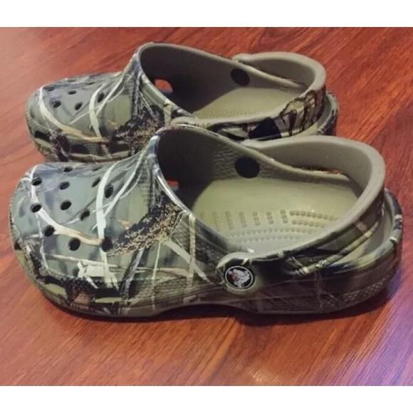 c4069c1d5afa6 CROCS Shoes | Camo Clogs Unisex M5 W7 Advantage 4 Guc | Poshmark