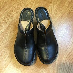 Born Shoes - Born black leather clogs