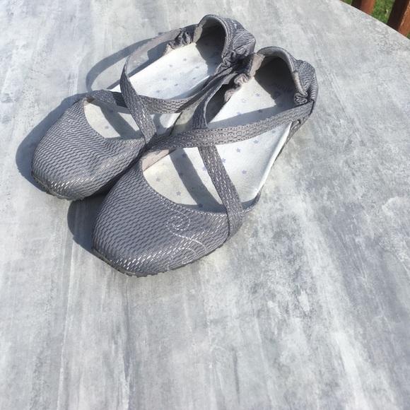 b98c76de306ed8 Ahnu Shoes - Ahnu Trullia yoga ballet grey mesh fabric US 10.5