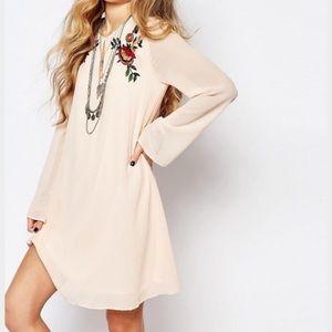 glamorus Dresses & Skirts - Glamorous Bell Sleeve Smock Dress with Embroidery