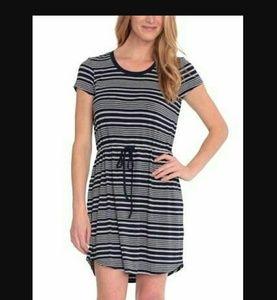 Olive & Oak Dresses & Skirts - Olive & Oak Navy and grey striped dress drawstring