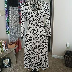 DROP DEAD GORGEOUS NY&CO wrap dress!! ??