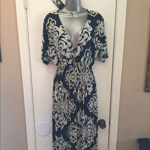 Dresses & Skirts - 🌹🌷Maxi dress🌹🌷