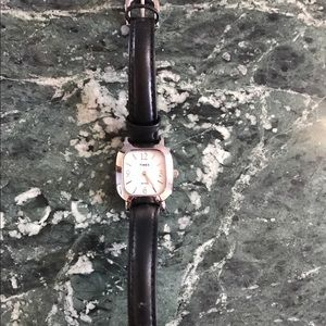 Timex Accessories - 💥price drop!NWOT Timex Leather Watch! ✅Battery!