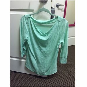 Icebreaker Tops - Icebreaker shirt