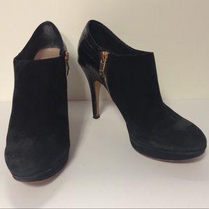 Vince Camuto black bootie heels size 7