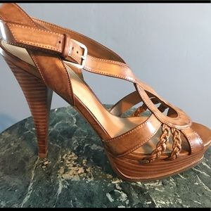Guess Shoes - 💥Price drop💥NWOT-Guess Strappy Leather Sandals!