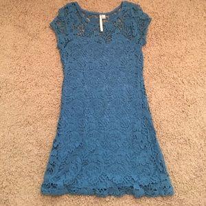 LC Lauren Conrad Dresses & Skirts - Lauren Conrad lace dress