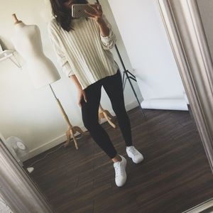 Sweaters - • Chunky Knit Sweater •