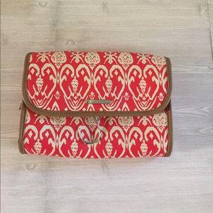 Stella & Dot Handbags - Stella & Dot Hanging Travel Bag